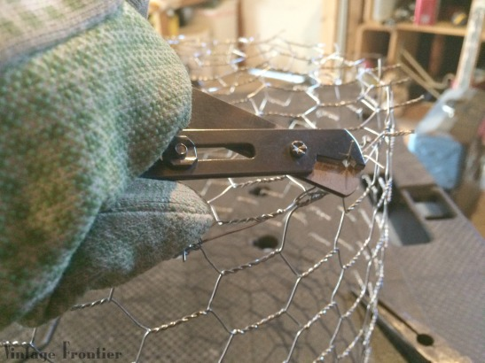 Chicken Wire Caker Carrier DIY