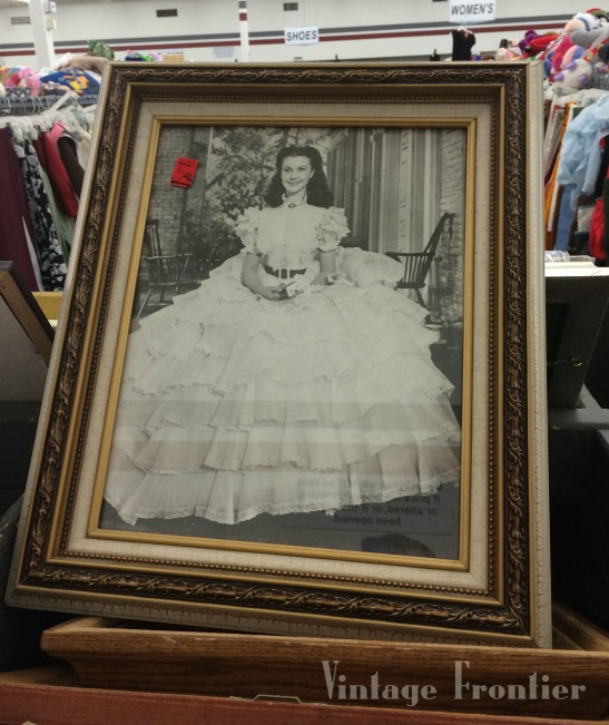 Funky finds at the thrift store are my favorite. Here are some tips for how to get the most out of your thrift store shopping sessions.