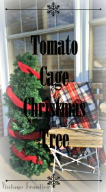 An unused tomato cage from your summer garden becomes and amazing Christmas decoration.