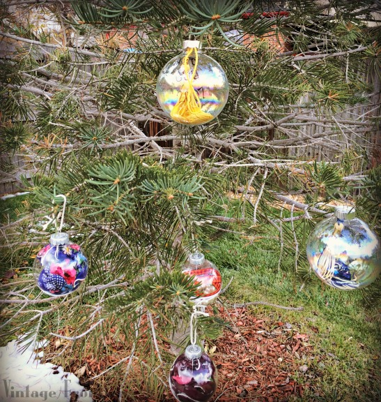 create great christmas tree ornaments out of old family heirlooms and memorabilia